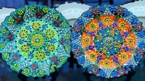 Όμορφο ζωηρόχρωμο πιάτο με το παραδοσιακό τουρκικό λουλούδι περίκομψο Στοκ φωτογραφίες με δικαίωμα ελεύθερης χρήσης