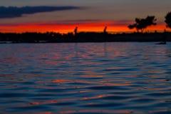 Όμορφο ηλιοβασίλεμα πέρα από την αδριατική θάλασσα, με το όμορφο δραματικό cloudscape Στοκ Εικόνα