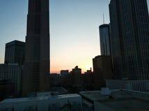 Όμορφο ηλιοβασίλεμα πέρα από τη στο κέντρο της πόλης Ατλάντα, GA, ΗΠΑ στοκ εικόνες