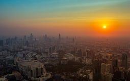 Όμορφο ηλιοβασίλεμα στη Μπανγκόκ Ταϊλάνδη Στοκ Εικόνες