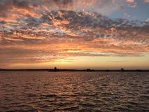 Όμορφο ηλιοβασίλεμα, φάρος, θάλασσα, παραλία, κύμα, καλοκαίρι, νερό, ωκεανός, ηλιοβασίλεμα, όμορφο Στοκ Εικόνες