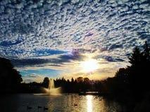 όμορφο ηλιοβασίλεμα ανασκόπησης Στοκ Εικόνα