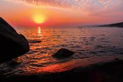 όμορφο ηλιοβασίλεμα θάλ&a Στοκ Εικόνες