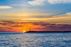 όμορφο ηλιοβασίλεμα θάλ&a Στοκ Φωτογραφία