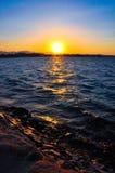 Όμορφο ηλιοβασίλεμα πέρα από τη θάλασσα Στοκ φωτογραφία με δικαίωμα ελεύθερης χρήσης