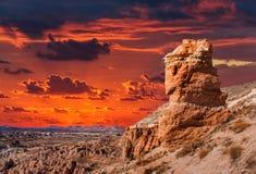 Όμορφο ηλιοβασίλεμα σε Cappadocia, Τουρκία Στοκ Εικόνες