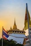 Όμορφο ηλιοβασίλεμα σε Wat Saket Ratcha Wora Maha Wihan (Wat Phu KH Στοκ Φωτογραφίες