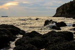 Όμορφο ηλιοβασίλεμα στην ακτή της Ταϊλάνδης στοκ εικόνες με δικαίωμα ελεύθερης χρήσης