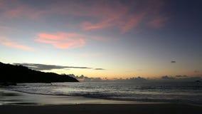 Όμορφο ηλιοβασίλεμα στην παραλία Anse Λάτσιο φιλμ μικρού μήκους