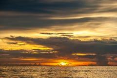 Όμορφο ηλιοβασίλεμα στην παραλία Boracay, Φιλιππίνες Στοκ φωτογραφίες με δικαίωμα ελεύθερης χρήσης