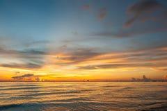 Όμορφο ηλιοβασίλεμα στην παραλία Boracay, Φιλιππίνες Στοκ εικόνες με δικαίωμα ελεύθερης χρήσης