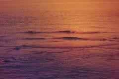 Όμορφο ηλιοβασίλεμα στη θάλασσα, Ντουμπάι Στοκ φωτογραφίες με δικαίωμα ελεύθερης χρήσης