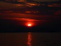 Όμορφο ηλιοβασίλεμα στο λιμένα της Ηγουμενίτσας, Ελλάδα Στοκ εικόνα με δικαίωμα ελεύθερης χρήσης