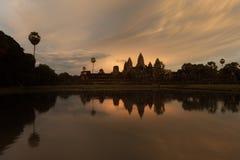 Όμορφο ηλιοβασίλεμα στο ναό Angkor Wat Στοκ Εικόνες