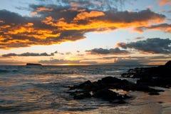 Όμορφο ηλιοβασίλεμα στο νησί Χαβάη Maui Στοκ εικόνες με δικαίωμα ελεύθερης χρήσης