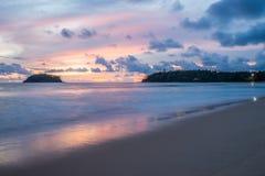 όμορφο ηλιοβασίλεμα στο phuket Ταϊλάνδη Στοκ Φωτογραφίες