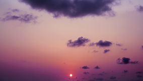 Όμορφο ηλιοβασίλεμα το βράδυ Στοκ Φωτογραφία