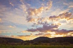 Όμορφο ηλιοβασίλεμα χώρας στοκ φωτογραφίες με δικαίωμα ελεύθερης χρήσης