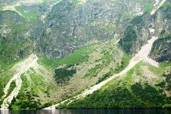 Όμορφο ηλιόλουστο τοπίο βουνών στις διακοπές η ημέρα στοκ φωτογραφία