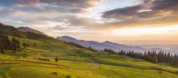Όμορφο θερινό τοπίο, βουνά της Ευρώπης, ταξίδι της Ευρώπης, κόσμος ομορφιάς Στοκ φωτογραφίες με δικαίωμα ελεύθερης χρήσης