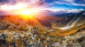 Όμορφο θερινό τοπίο, βουνά της Ευρώπης, ταξίδι της Ευρώπης, κόσμος ομορφιάς Στοκ φωτογραφία με δικαίωμα ελεύθερης χρήσης