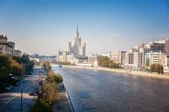 Όμορφο θερινό τοπίο πόλεων, η πρωτεύουσα της Ρωσίας Μόσχα, τ Στοκ εικόνα με δικαίωμα ελεύθερης χρήσης