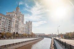 Όμορφο θερινό τοπίο πόλεων, η πρωτεύουσα της Ρωσίας Μόσχα, τ Στοκ εικόνες με δικαίωμα ελεύθερης χρήσης