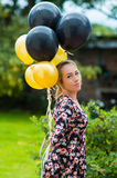 Όμορφο ισπανικό πρότυπο φορώντας θερινό φόρεμα μέσα Στοκ φωτογραφίες με δικαίωμα ελεύθερης χρήσης