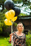 Όμορφο ισπανικό πρότυπο φορώντας θερινό φόρεμα μέσα Στοκ φωτογραφία με δικαίωμα ελεύθερης χρήσης