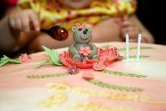 Όμορφο κέικ για τα γενέθλια μωρών Στοκ φωτογραφία με δικαίωμα ελεύθερης χρήσης