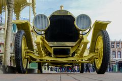 Όμορφο και παλαιό ανοικτό αυτοκίνητο 1912 Cadillac με τα spokes των ξύλινων ροδών Στοκ Εικόνα