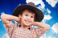 όμορφο καπέλο αγοριών λίγ&al Στοκ εικόνα με δικαίωμα ελεύθερης χρήσης