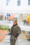 όμορφο κατάστημα κοριτσιών Στοκ Εικόνες