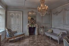 Όμορφο κομψό εσωτερικό καθιστικό στοκ φωτογραφία με δικαίωμα ελεύθερης χρήσης