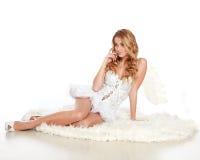Όμορφο κορίτσι αγγέλου στο λευκό Στοκ Εικόνες