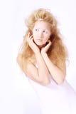 όμορφο κορίτσι ασυνήθιστ&o Στοκ φωτογραφία με δικαίωμα ελεύθερης χρήσης