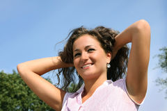 όμορφο κορίτσι ευτυχές στοκ εικόνα με δικαίωμα ελεύθερης χρήσης