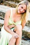 Όμορφο κορίτσι εφήβων με την ξανθή τρίχα Στοκ φωτογραφίες με δικαίωμα ελεύθερης χρήσης