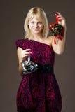 όμορφο κορίτσι διακοσμήσεων Χριστουγέννων στοκ φωτογραφίες με δικαίωμα ελεύθερης χρήσης