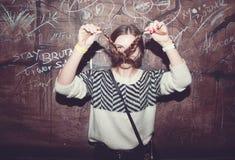 όμορφο κορίτσι διασκέδα&sigma Στοκ φωτογραφία με δικαίωμα ελεύθερης χρήσης