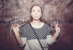 όμορφο κορίτσι διασκέδα&sigma Στοκ φωτογραφίες με δικαίωμα ελεύθερης χρήσης