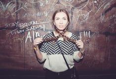 όμορφο κορίτσι διασκέδα&sigma Στοκ εικόνες με δικαίωμα ελεύθερης χρήσης