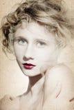 Όμορφο κορίτσι με μακρυμάλλη Στοκ Εικόνες