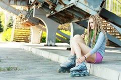 Όμορφο κορίτσι με τα dreadlocks Στοκ εικόνα με δικαίωμα ελεύθερης χρήσης