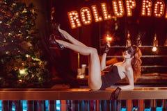 Όμορφο κορίτσι με τα sparklers Στοκ Φωτογραφίες