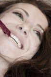 Όμορφο κορίτσι με τη δαντέλλα στο στόμα Στοκ εικόνες με δικαίωμα ελεύθερης χρήσης