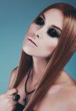 Όμορφο κορίτσι με τη δερματοστιξία Στοκ φωτογραφίες με δικαίωμα ελεύθερης χρήσης