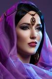 Όμορφο κορίτσι με το αραβικό makeup Στοκ Εικόνες