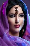 Όμορφο κορίτσι με το αραβικό makeup Στοκ Εικόνα
