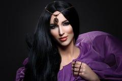 Όμορφο κορίτσι με το αραβικό makeup Στοκ εικόνα με δικαίωμα ελεύθερης χρήσης